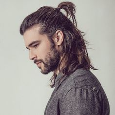BestHairStyle by beautifull_hair_style Man Bun Hairstyles, Boys Long Hairstyles, Haircuts For Men, Style Hairstyle, Hair And Beard Styles, Curly Hair Styles, Look Man, Curly Hair Men, Man Hair