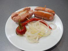 Domácí utopenci - výborný recept. Vychutnejte si domácí utopence. Domácí utopenci jsou pravdu lahodné, vychutnejte si je s čerstvým chlebem a cibulí ... Caprese Salad, Sausage, Food And Drink, Meat, Beef, Sausages, Insalata Caprese