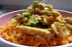 Poulet coco à l'indienne Guacamole, Curry, Mexican, Ethnic Recipes, Food, Colored Rice, Cooking Food, Cooker Recipes, Indian Recipes