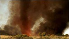 EXPLOSIF – Une tornade de feu éclate dans le désert australien