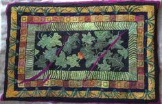 rug my Anne E Cox  on Rug hooking daily.  great border!