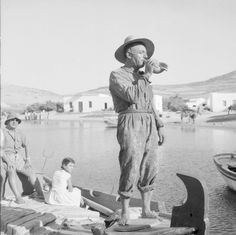 Vintage Pictures, Old Pictures, Old Photos, Photography Articles, History Of Photography, Benaki Museum, Greece Pictures, Greece Photography, White Photography