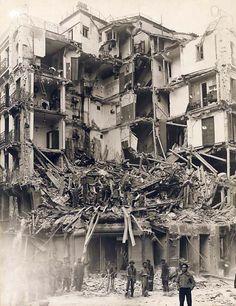 Escenas de Bombardeo en Madrid - Portal Fuenterrebollo