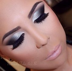 Flawless Silver Eye Makeup Looks You Need To Try - Make Up - Fashionable Black Smokey Eye Makeup, Silver Smokey Eye, Eye Makeup Cut Crease, Black Makeup, Silver Makeup, Silver Eyeshadow, Smokey Eyeshadow, Cheer Makeup, Formal Makeup