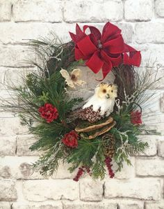 Snowy Owl Christmas Wreath for Door Winter Wreath Christmas Decor Holiday Wre Etsy Wreaths, Owl Wreaths, Wreaths For Front Door, Holiday Wreaths, Winter Wreaths, Fall Door Decorations, Outdoor Christmas Decorations, Holiday Decor, Silk Flower Wreaths