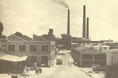 No começo dos anos 1920, as Indústrias Reunidas Francisco Matarazzo (IRFM) instalaram, no bairro da Água Branca, zona oeste de São Paulo, um parque industrial. Caldeiras vindas da Europa serviam para produzir energia para todo o complexo