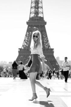 Google Image Result for http://s2.favim.com/orig/37/eiffel-tower-fashion-girl-paris-Favim.com-301134.jpg