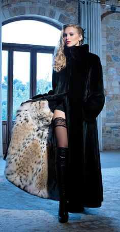 Nadire Atas on Luxury Fur Coats Fur Fashion, Winter Fashion, Womens Fashion, Sexy Outfits, Fashion Outfits, Sexy Women, Women Wear, Fox Fur Coat, Fur Coats