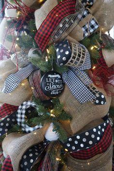 Buffalo Check Christmas Decor, Country Christmas, Christmas Home, Christmas Holidays, Christmas Crafts, Christmas Ideas, White Christmas, Christmas Music, Scandinavian Christmas