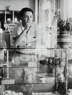 Στο πατάρι του Λουμίδη, 1959. Greece History, Pier Paolo Pasolini, Black And White Aesthetic, Film Books, Old Pictures, Continents, Famous People, Retro Vintage, Nostalgia