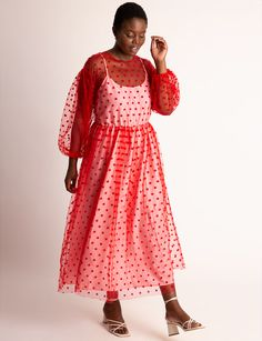 If you need something to help you lounge in style, how about a plus size maxi dress? We've found over 25+ plus size dresses to play in for the summer!    Fancy Something Relaxed and Cute? How About a Plus Size Maxi Dress?    #plussizefashion #plussize Plus Size Girls, Plus Size Women, Plus Size Maxi Dresses, Plus Size Outfits, Plus Size Summer Fashion, Girls Showing Off, Fit And Flare Skirt, Plus Size Coats, Plus Size Designers