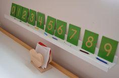 Montessori preschool math - sandpaper numerals with colored bead bars for each quantity. Montessori Elementary, Montessori Preschool, Preschool Ideas, Math Classroom, Classroom Activities, Classroom Ideas, Children Activities, Math For Kids, Fun Math