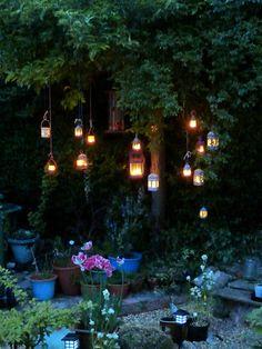 The apple tree at night A macieira à noite Enchanted Garden, Apple Tree, Dream Garden, Garden Inspiration, Bohemian Garden Ideas, Backyard Landscaping, Backyard Ideas, Beautiful Gardens, Magical Gardens