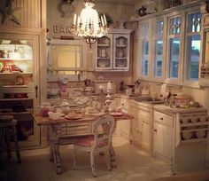Great kitchen by Kim's Miniatures.