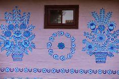 Zalipie, fascinante aldeia pintada com arranjos florais na Polônia 15