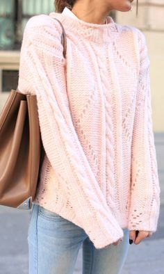 Looove the pink sweater, especially that shade of pink!!