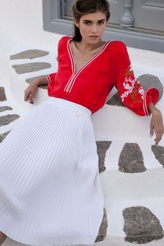 Greek Style Council is an online shop aimed at spreading Greek designs to an Australian audience. We talked to the founder about what inspired her, here. Elle Fashion, Fashion Brands, Fashion Outfits, Womens Fashion, Fashion Designers, Pleated Skirt, High Waisted Skirt, Karpathos, Greek Fashion