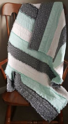 Chevron Baby Quilts, Baby Quilts Easy, Neutral Baby Quilt, Baby Rag Quilts, Baby Patchwork Quilt, Grey Quilt, Gender Neutral Baby, Flannel Rag Quilts, Baby Gender