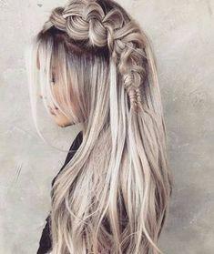 50 unvergessliche blonde Frisuren, die Sie inspirieren 50 unforgettable blonde hairstyles that inspire you 50 beautiful ash blonde hair color ideas that you don't want to miss Long waves ash blonde Blond Hairstyles, Fishtail Braid Hairstyles, Frontal Hairstyles, Box Braids Hairstyles, Pretty Hairstyles, Hairstyle Ideas, Wedding Hairstyles, Hair Ideas, Hairdos