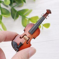 1//10 Dollhouse Miniature Wooden Violin with Stand Dollhouse Miniatures Kids Gift