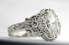 i love the idea of having a vintage style ring. so beautiful.