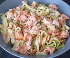 Bonjour à tous, Aujourd'hui je vous partage un de mes plat préféré ; les pâtes au saumon. C'est tout bête à faire, mais c'est la régalade assurée à chaque fois ! J'espère que ça vous plaira et surtout... Régalez-vous ! � Pour 1 personne - 6 sp Ingrédients...