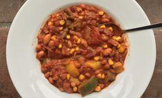 Mijn ultieme chili sin carne - De Wereld op je Bord Vegetarian Recipes, Healthy Recipes, Tex Mex, Chana Masala, Food And Drink, Veggies, Soup, Diet, Ethnic Recipes