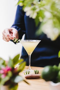 This Lime Drop Martini is a refreshing cocktail made with mint flavored simple syrup, vodka, orange liquor and freshly squeezed lime juice. Ready in 10 min!