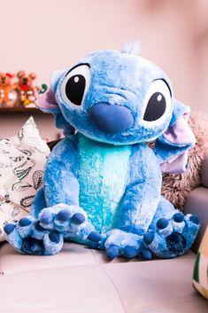 Disney Stitch, Lilo Et Stitch, Stitch Doll, Disneyland Paris, Disney Plush, Disney Toys, Disney Souvenirs, Peluche Stitch, Disney Mignon