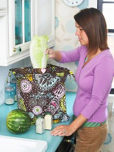 Free online tutorial  click the link to the right, below the description  Market Bag  It's the perfect bag for: Toting home farmers' market bounty or groceries in an eco-friendly way.  Add a special touch: Make this bag in two different sizes for versatility and choose sturdy fabrics for heavy-duty hauling.