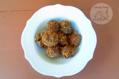 Easy And Delicious Lentil Balls For Dinner Tonight - Cottage Notes Bathroom Cleaning Hacks, Household Cleaning Tips, Cleaning Recipes, House Cleaning Tips, Diy Cleaning Products, Cleaning Checklist, Cleaning Services, Cleaning Solutions, Fresco