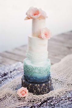 Der Zauber von Arielle @Feather and Stone http://www.hochzeitswahn.de/inspirationsideen/der-zauber-von-arielle/ #mariage #wedding #cake