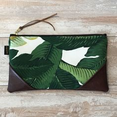 Tropical Banana Leaf Clutch – Handmade with Aloha in Hawaii Diy Clutch, Diy Tote Bag, Handmade Clutch, Hawaiian Crafts, Tropical Outfit, Messenger Bag Backpack, Market Bag, Summer Diy, Bagan