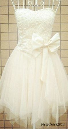 prom dress with a bowknot