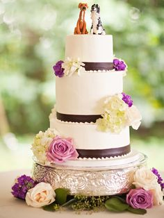 minus the dogs cake topper lol otherwise this is soooo pretty.!