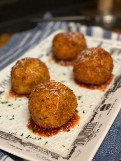 Arancini Recipe, Italian Recipes, Italian Cooking, Fabulous Foods, Healthy Recipes, Healthy Meals, Easy Recipes, Rice Balls, Small Plates