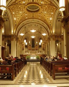Pacific Northwest Seasons: Seattle's St. The St. James Cathedral acoustics are especially on display during their Sunday evening Compline services. (An a capella Gregorian Chant musical service) Gothic Cathedral, Cathedral Church, Sacred Architecture, Religious Architecture, Medieval Music, Washington Usa, Dark Night, Seattle, Beautiful Places