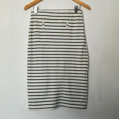 NEW - Stripe bodycon skirt Size 28 No belt Body Con Skirt, Save The Planet, Selling Online, Extra Money, Second Hand Clothes, Skirts, Stuff To Buy, Shopping, Fashion