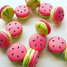 Watermelon macarons by @petitcakes_perth I love the watermelon macarons!!! Ces macarons sont trop chou!!! #watermelon #fruit #fruits #green #red #macaron #macaronlove #frenchmacaron #food #foodporn #foodoftheday #cake #foodart #meringue #cupcakes #cupcake #donut #eclair #amourducake #patisserie #bestoftheday #photooftheday