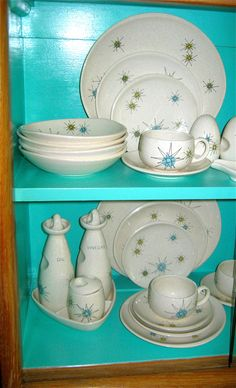 """Franciscan """"Starburst"""" china. I've loved this pattern from the first, as it is so quintessentially Mid-Century!"""