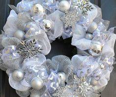 white christmas wreath silver snowflakes tutorial