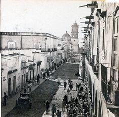 Calle san Francisco 1880 ( av. 16 septiembre a partir de 1910 )