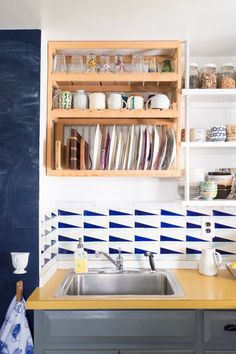 9 Ways to Organize a Kitchen Without Many (or Any!) Cabinets | Apartment Therapy