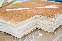 e-cocinablog: tarta de galletas con queso y cuajada Vanilla Cake, Tiramisu, Ethnic Recipes, Desserts, Food, Cinnamon Waffles, Homemade Biscuits, Cream Cheeses, Deserts