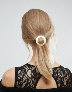 Orelia Wide Circle Hair Clip