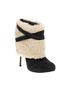 Add fur cuff to boots