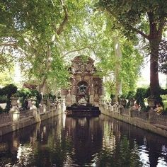 Another beautiful summer day. (at Jardin du Luxembourg) Beautiful World, Beautiful Places, Permanent Vacation, Breath Of The Wild, Travel Goals, Land Scape, Scenery, Places To Visit, Around The Worlds