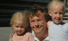 Prince Friso of the Netherlands with his two daughters: Countess Luana and Countess Zaria Dutch Royalty, Two Daughters, Queen Maxima, Netherlands, I Am Awesome, Prince, Memories, Royal Families, Couple Photos