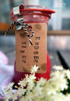 liebste schwester: der Sommer wird süß - Rhababersirup/Erdbeersirup und Holunderblütensirup