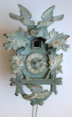 Shabby Chic Duck Egg Blue Distressed Cuckoo Clock by peintalamain. I would never paint my cuckoo clock, but I do love the way this looks. Shabby Chic Bedrooms, Shabby Chic Furniture, Shabby Chic Decor, Painted Furniture, Duck Egg Blue Chalk Paint, Annie Sloan Chalk Paint, Coo Coo Clock, Clock Painting, Blue Bird